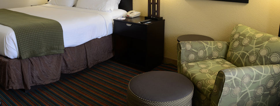 Baymont by Wyndham at Nashville Airport Hotel Room Suites - King Size Room with Relaxing Chair