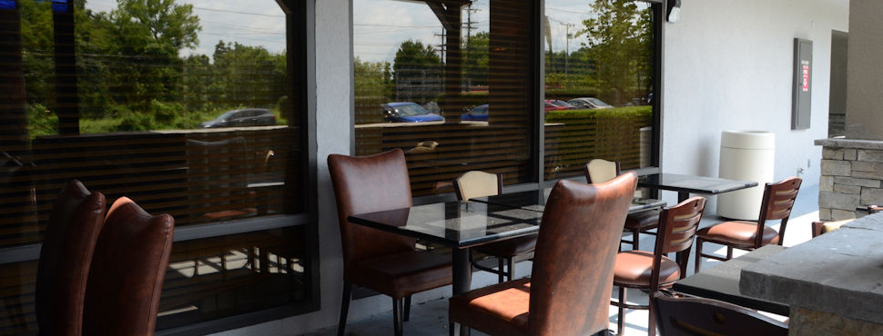 Baymont by Wyndham at Nashville Airport - Patio Area