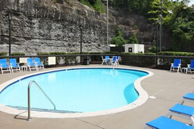 Baymont Inn Suites - Nashville - outdoor pool