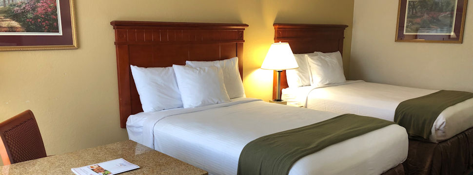 Double Bed Room at Baymont Inn & Suites