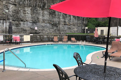 Swimming Pool at Baymont Inn and Suites in Nashville TN