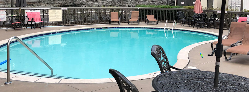 Swimming Pool at Baymont Inn and Suites in Nashville
